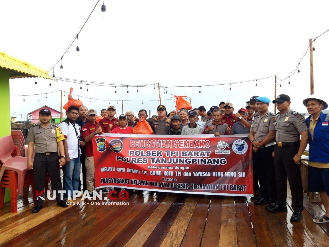 Foto Berita kutipan, jumat berkah, Nelayan teluk Keriting, polsek tanjungpinang barat