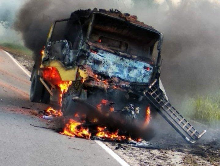 Foto Kutipan Karimun, tabrakan, tewas terpanggang, warga karimun