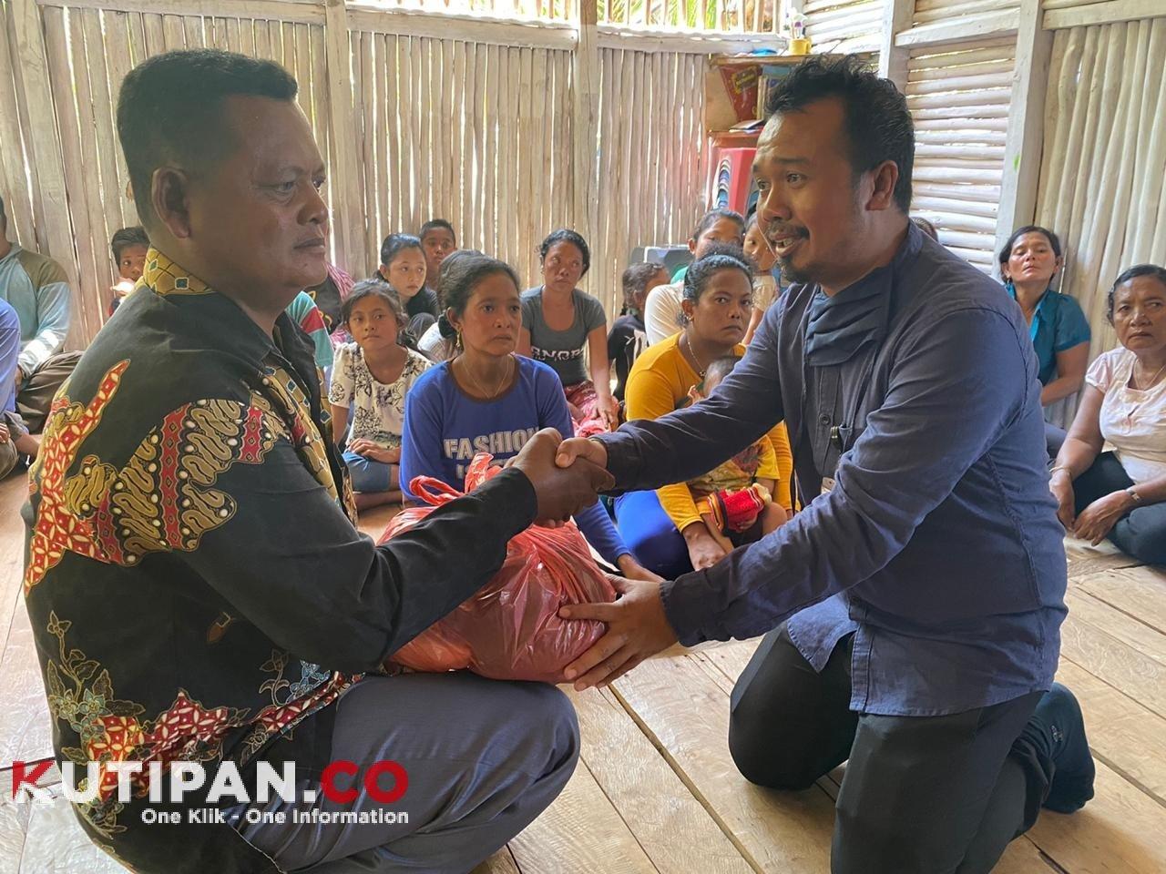 Foto Camat Katang Bidare, dengar keluhan suku laut, Kutipan lingga