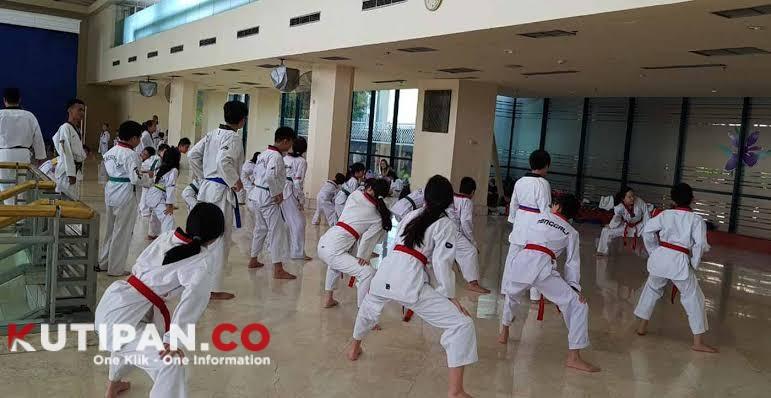 Foto Akibat virus corona, dihentikan, guna antisipasi, Kutipan Tanjungpinang, Pelatihan Taekwondo, Update Covid-19