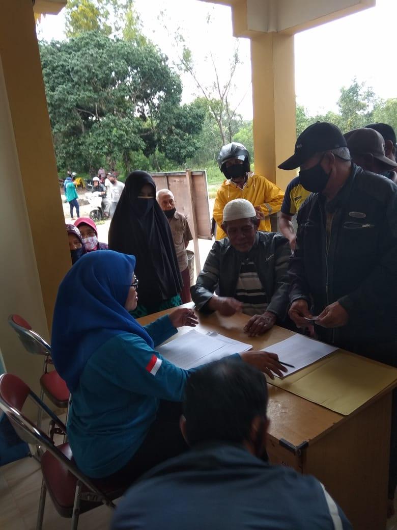Foto bantuan covid-19 dari provinsi kepri, kelurahan sungai lumpur