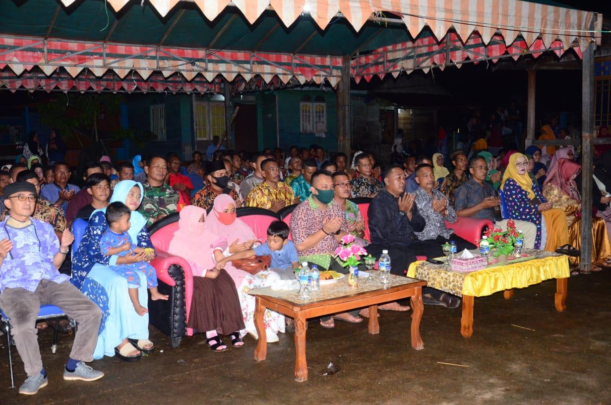 Wakil Bupati Lingga Hadiri Malam Syukuran Desa Persiapan Senempek