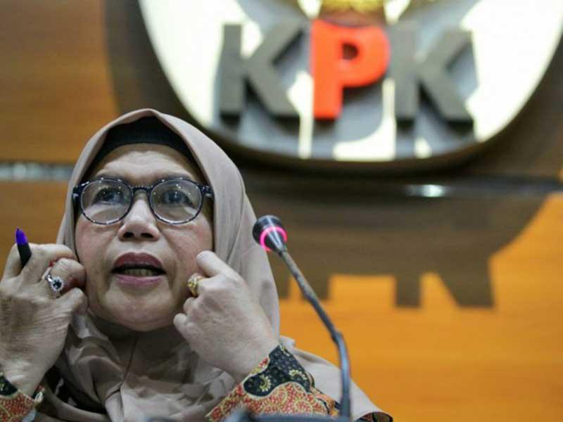Foto Dana Bansos Covid-19, KPK, Lili Pintauli Siregar, Pemda Riau