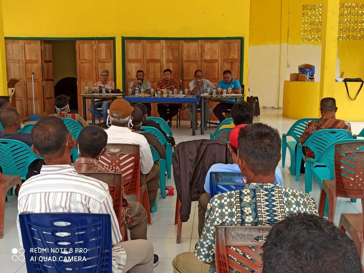 Rapat Evaluasi dan Sosialisasi Penyaluran BBM di Balai Pertemuan Kecamatan Bakung Serumpun