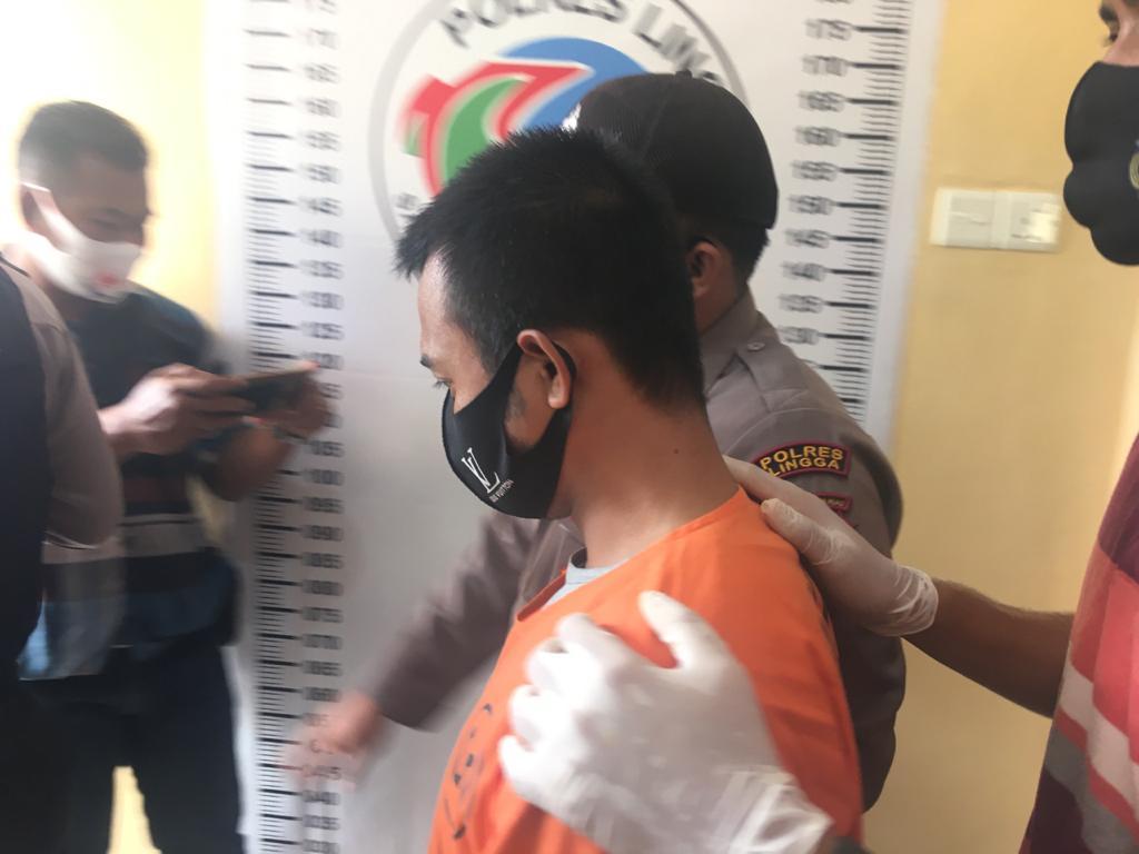 Satresnarkoba Polres Lingga tangkap Kurir Sabu berinisial RP (29) merupakan residivis terkait kasus Curanmor di Polres Natuna | Foto : Fikri