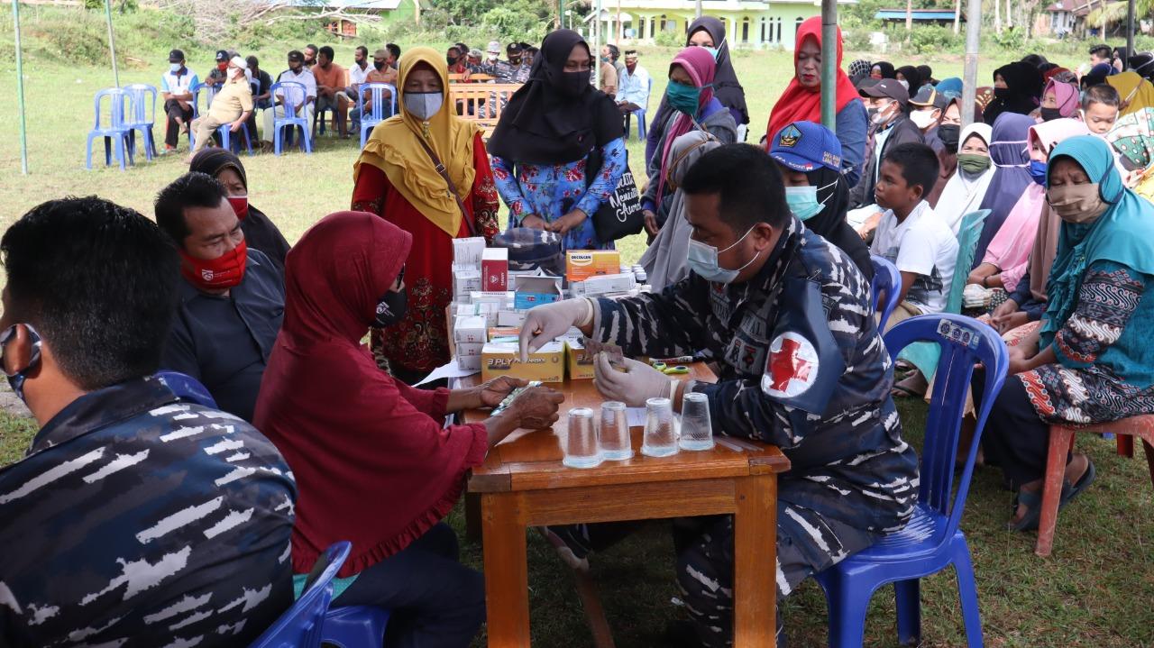 Foto Bakti Kesehatan dan Bakti Sosial Lanal Dabo Singkep, Lanal dabo singkep