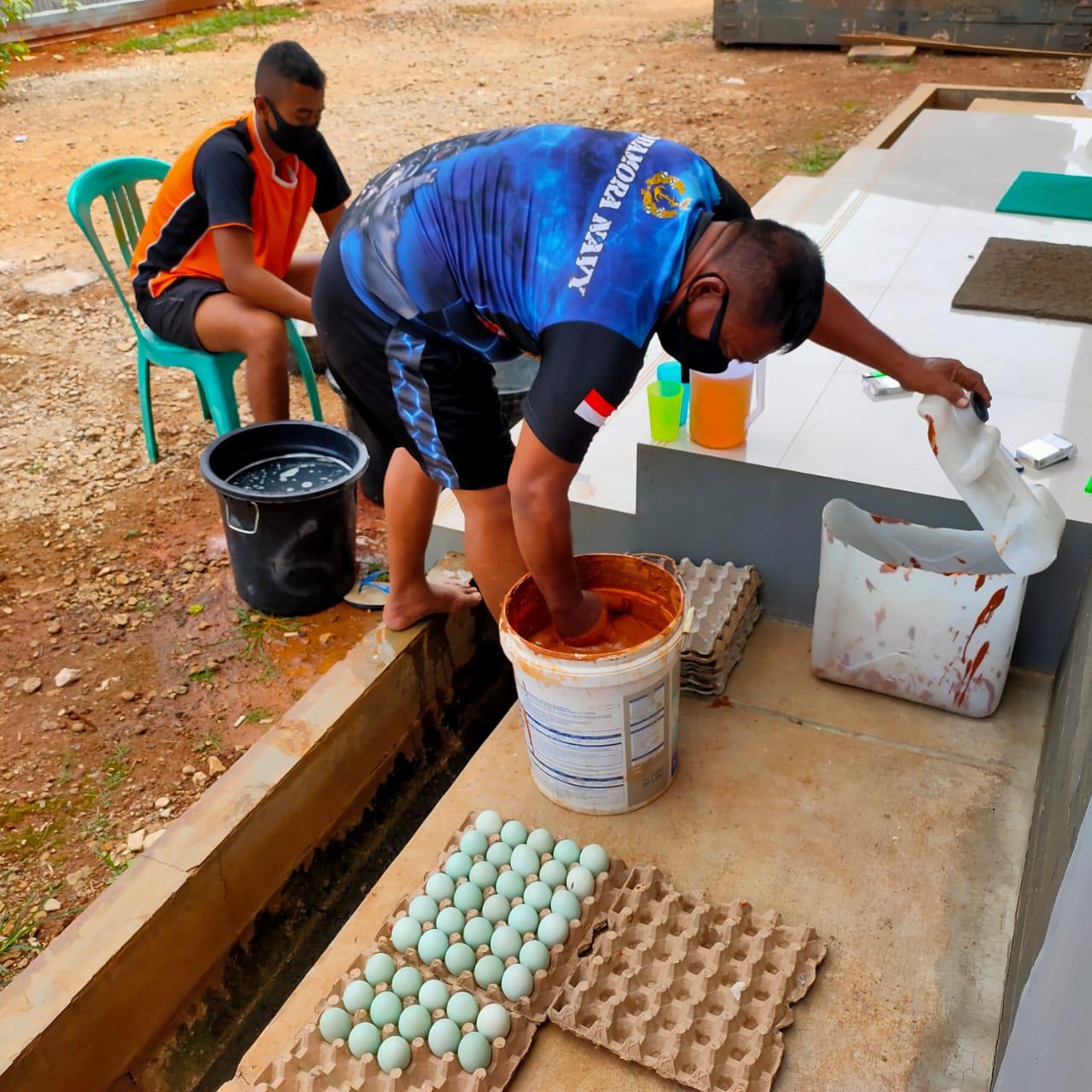 Prajurit Yon Roket 1 Mar Ternak Bebek Produksi Telur Asin
