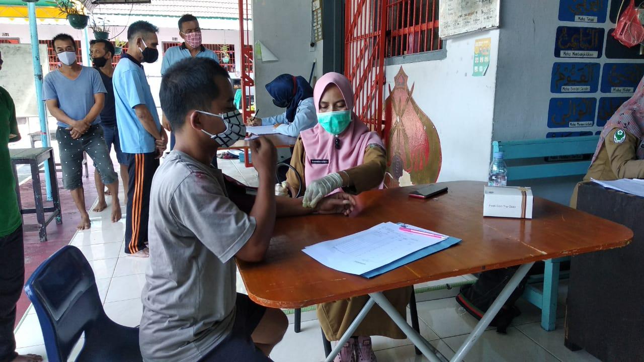 Foto Lapas Dabo Singkep Cek Kesehatan Warga Binaan