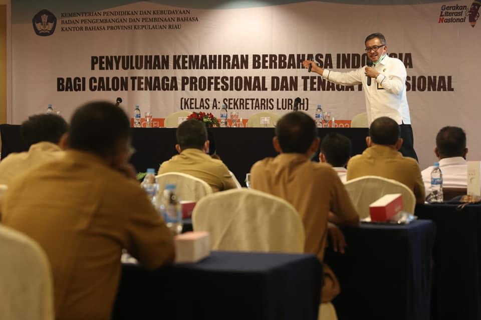 Sekda Batam Minta Seklur Gunakan Bahasa Indonesia