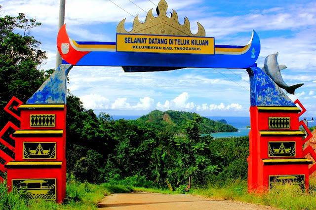 Pantai Teluk Kiluan dan Pantai Gigi Hiu di Lampung