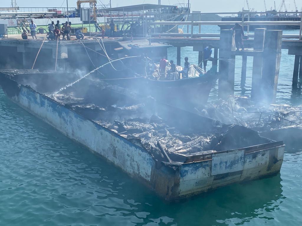 Pompong Tangkapan Bea dan Cukai Batam Hangus Terbakar