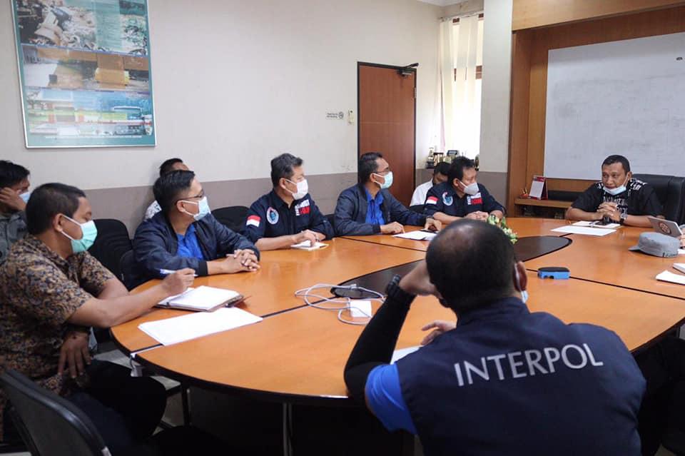 DLH Batam dan Interpol Indonesia