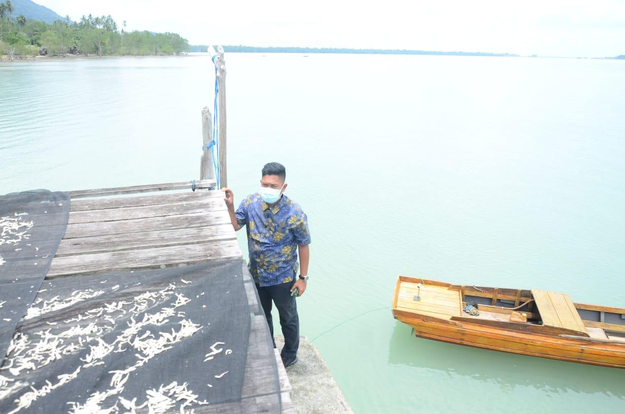 Foto Desa Mepar, Wabup Lingga Cek Jalan dan Jembatan