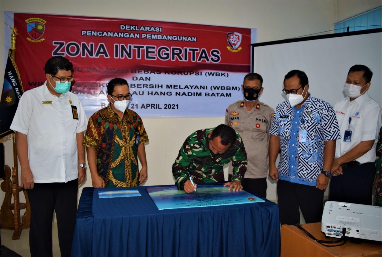 TNI AU Hang Hadim