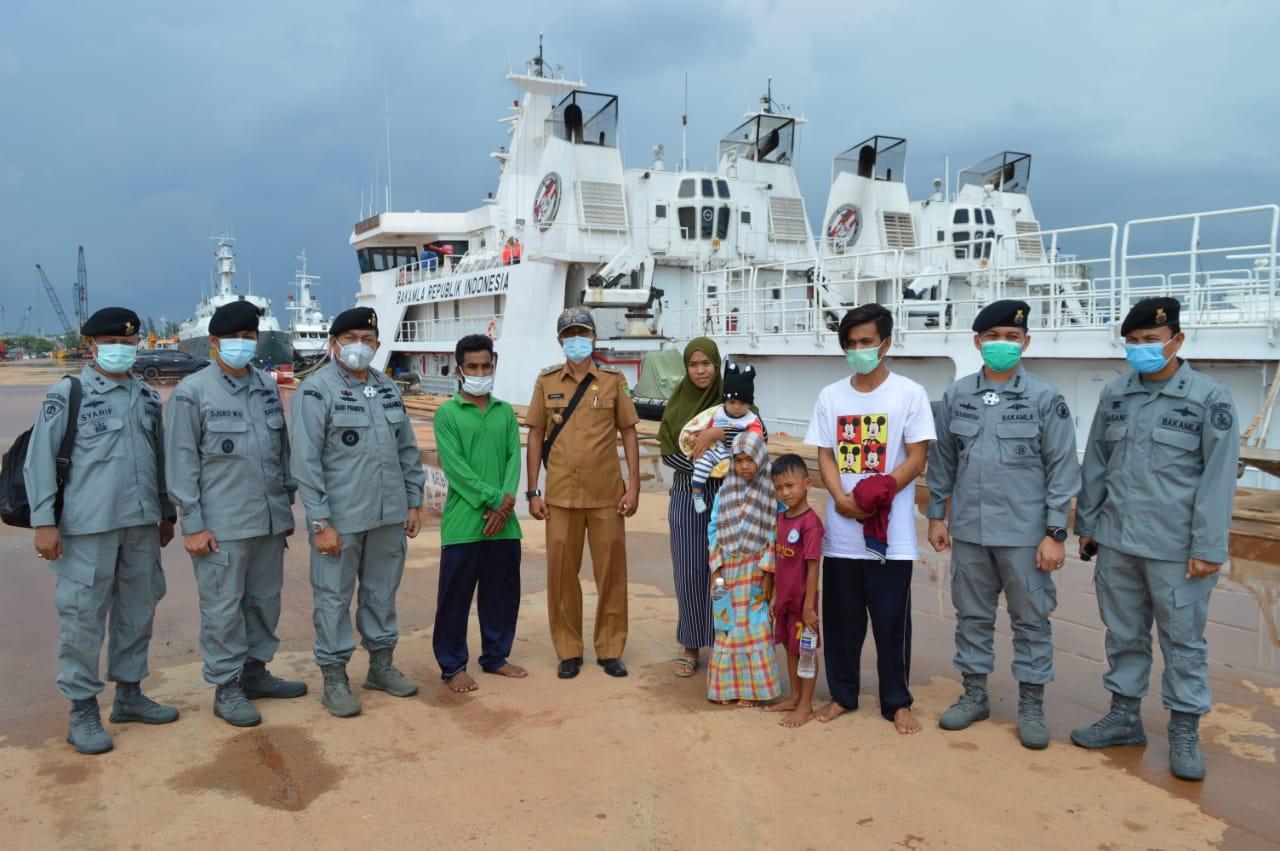 Dua Nelayan Indonesia Dijemput Bakamla RI