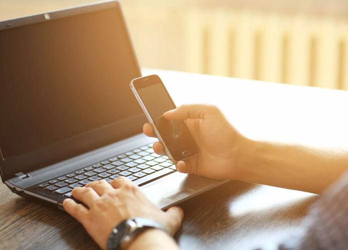 Cara Share Dokumen dari Ponsel ke Laptop