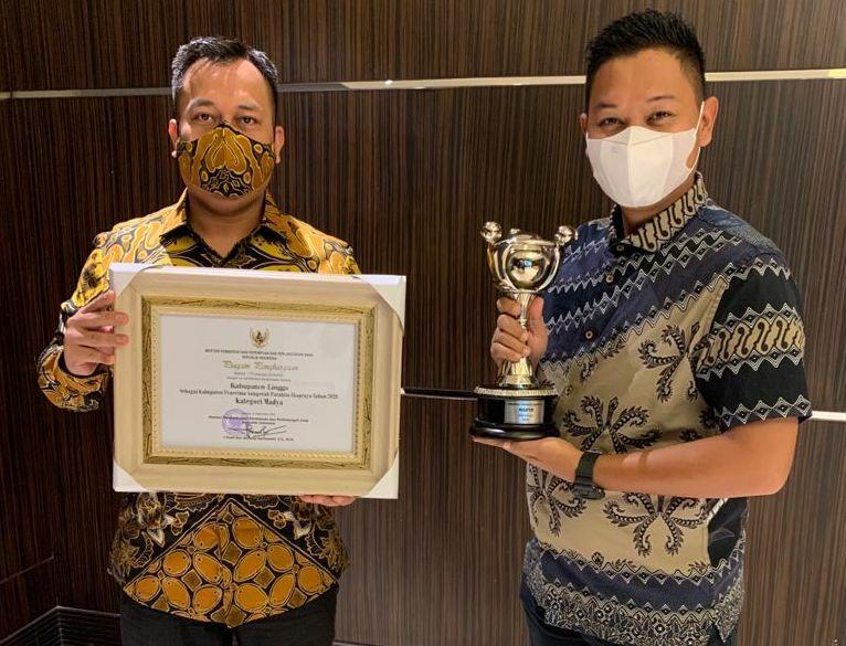 Penghargaan APE dari Kemen PPPA